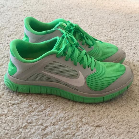 36287b6d2df6 Nike free runs in green. M 5aa99c6b8af1c589c8b875f1